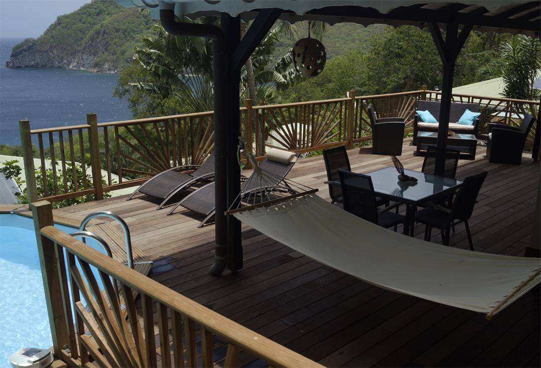 terrasse-vue-sur-mer-piscine-villa-palma-deshaies-guadeloupe