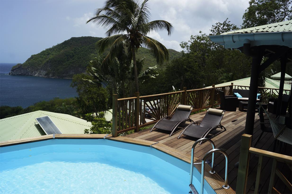 vue-sur-mer-piscine-deck-villa-palma-deshaies-guadeloupe